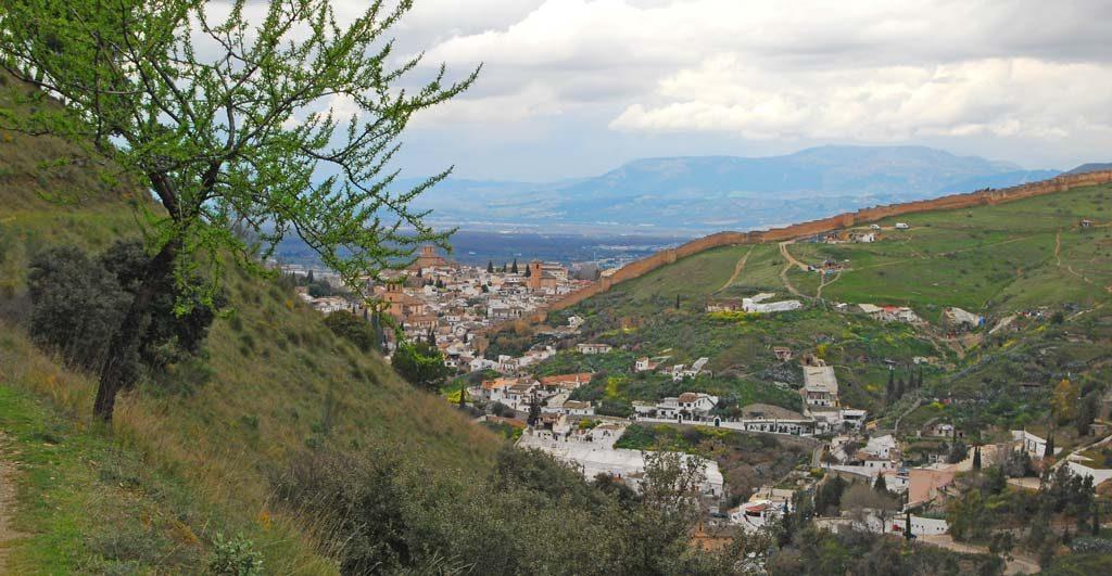 Vistas de Granada desde la acequia real